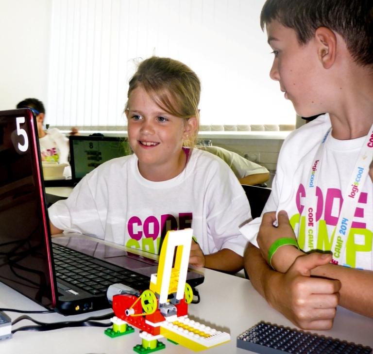 Logiscool programozó tábor